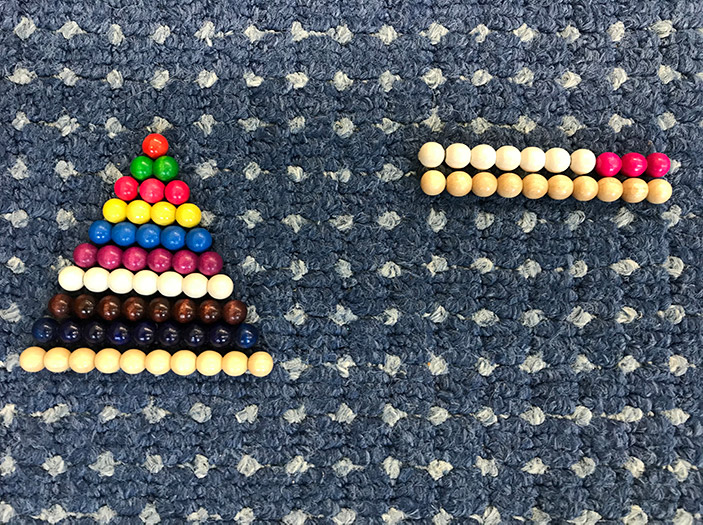 Perlenpyramide aus dem bunten Perlenkasten